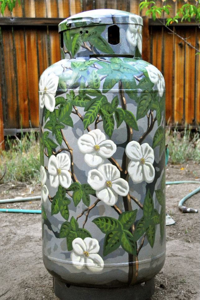 Water Tank Painting : Painting outdoor water and propane tanks